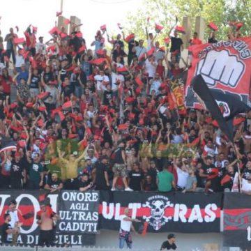 Sanzionati due tifosi della Nocerina: violata la zona rossa per seguire la squadra