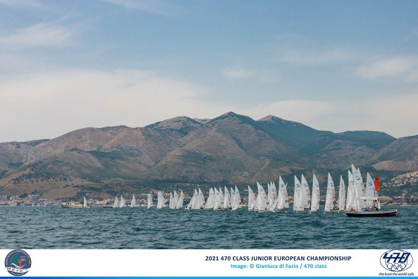 Europeo Juniores 470 mixed: partenza sprint della Fiamma Gialla Alessandra DUBBINI