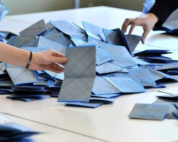 Formia: presidente di seggio sospeso, c'è l'alone di brogli.