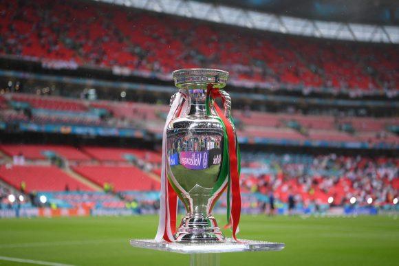 Un secolo d'azzurro: a Gaeta si potrà ammirare anche l'ultima coppa d'Europa vinta a Wembley!